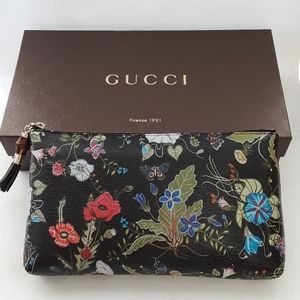 New in box with duct bag, Gucci Clutch 338815